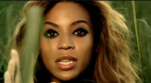 Beyoncé Deja Vu. Make para noite.